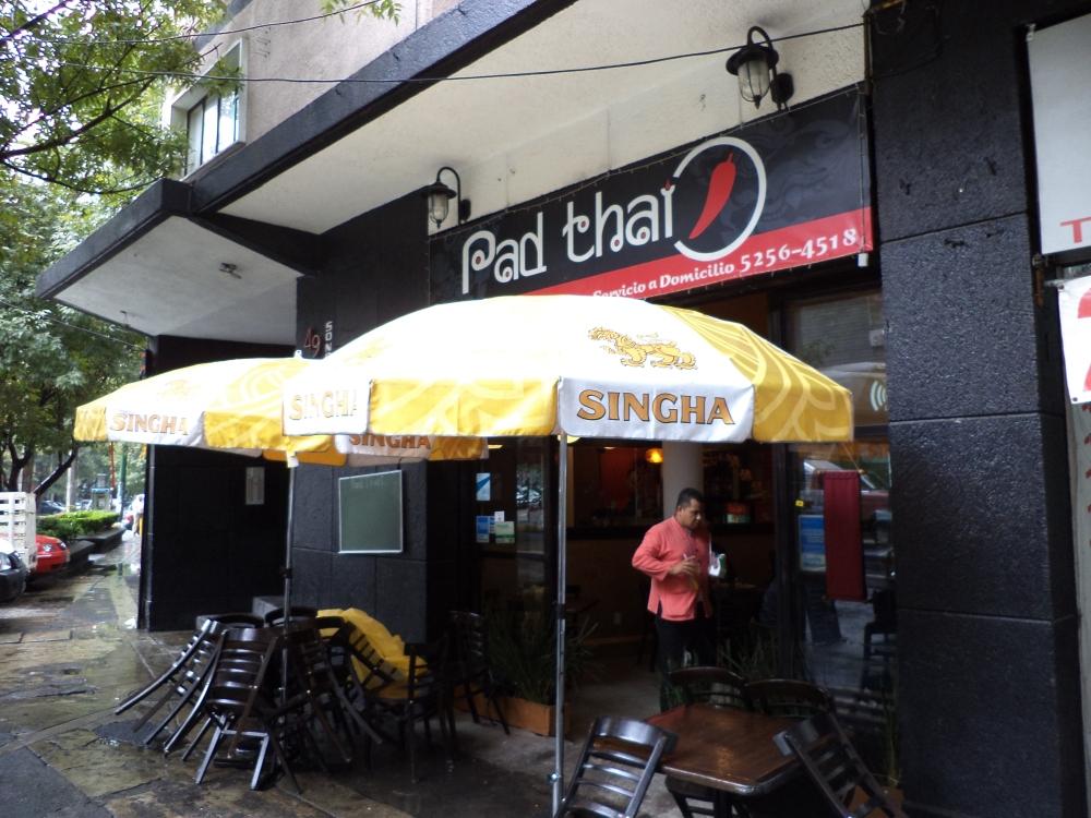 Restaurants as a second home... (5/6)